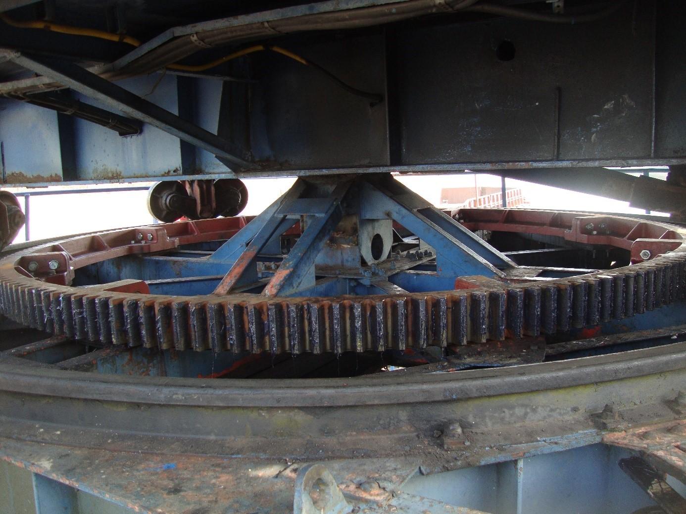 Zupcanik na plovnoj dizalici